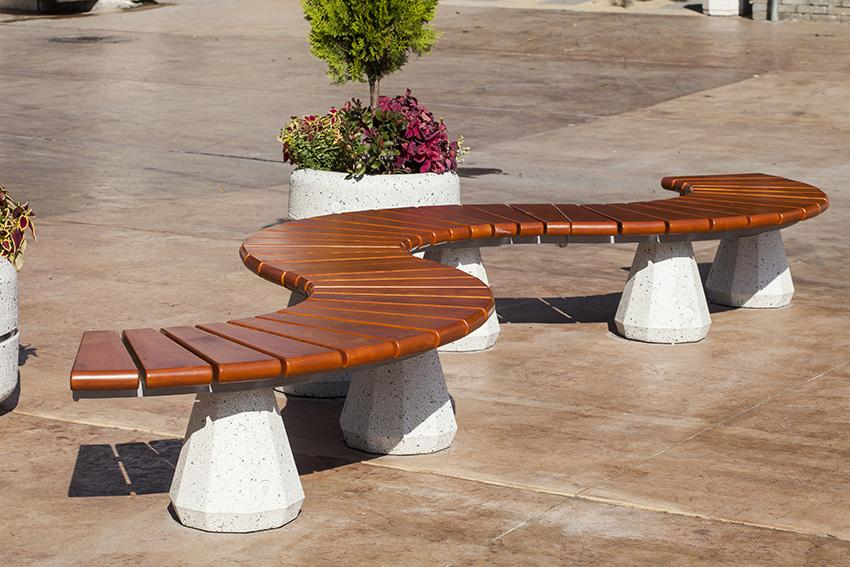 How To Protect Outdoor Wood Furniture From Elements ...