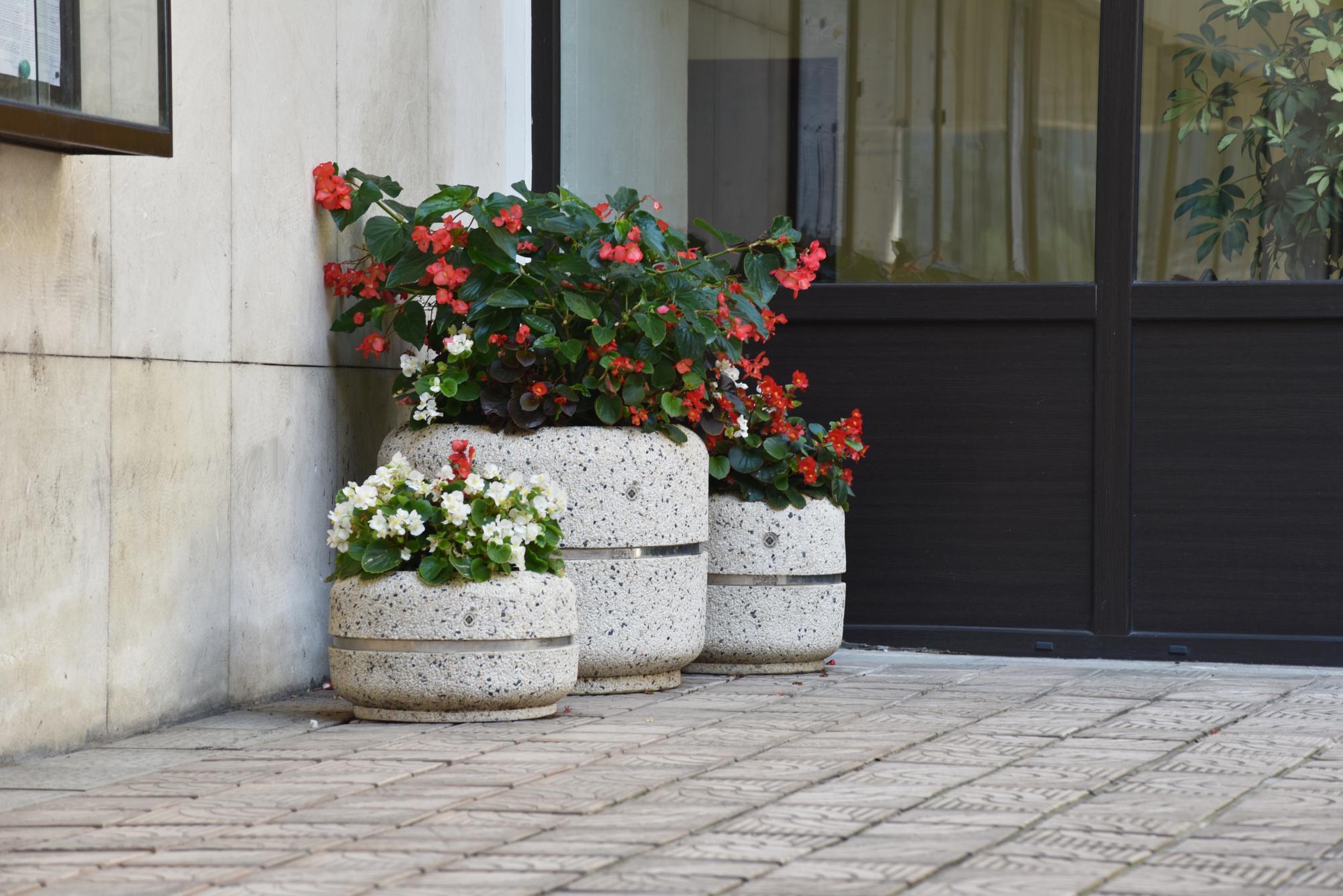 pflanzkübel aus beton - modell 17